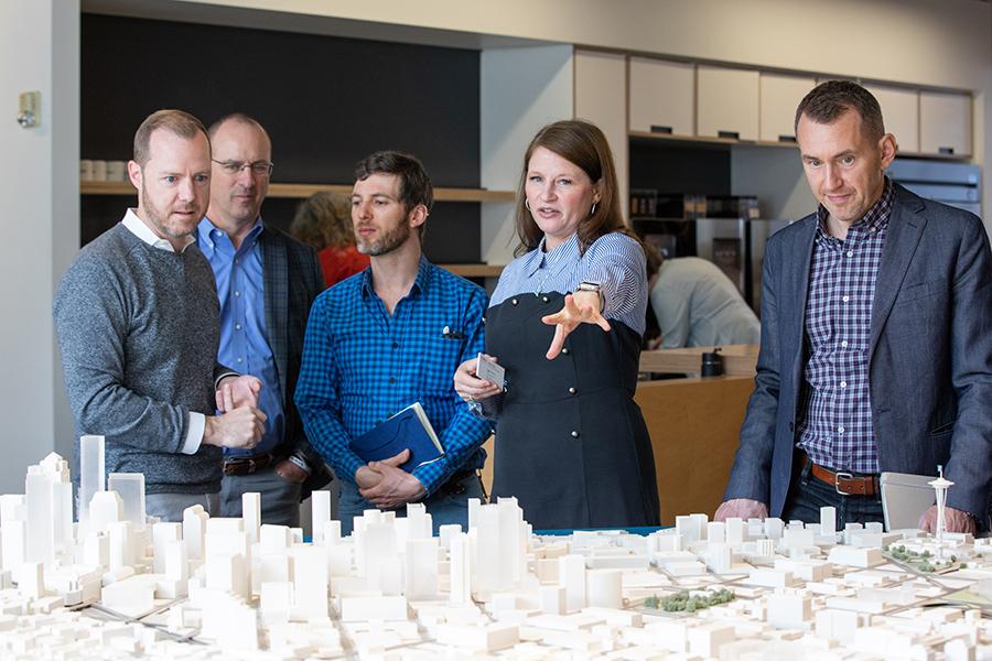 미국 건축 시장에서 고려되는 보이지 않는 것에 대한 이야기 Sustainability + Wellness