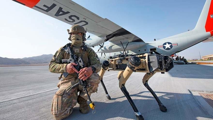 미 공군, 기지 보안에 로봇개 시범 도입